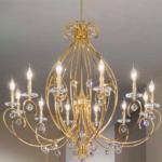 złoty żyrandol do salonu – piękny